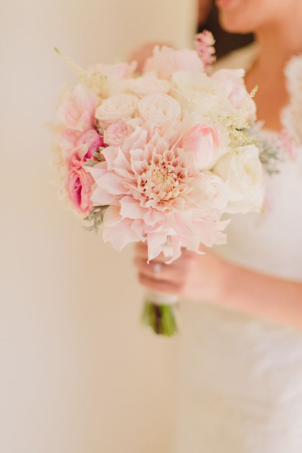 Isari Flower Studio| Jen Wojcik Photography, via Wedding Chicks