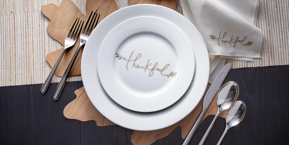 9 Thanksgiving Tablescapes To Use All Month